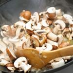 Ciupercile se călesc până îşi lasă zeamă