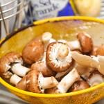 Ciuperci brune bine spălate