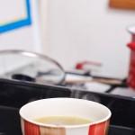 Se pun bolurile cu supă într-o tavă de cuptor