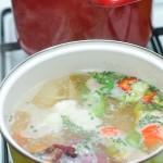 Se face o supă de legume