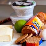 Ingrediente pentru prăjitură cu brânză.