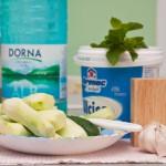 Ingredientele pentru ayran cu castraveţi