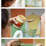 Adăugăm usturoiul, pasta de susan, uleiul de măsline...