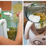 Adăugăm iaurtul şi apoi tragem cu ochiul în blender să ne minunăm ce frumos arată