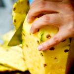 Curăţăm ananasul