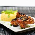 Însoţiţi aripioarele de o garnitură de orez sau couscous, după gust.
