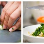 Tocăm usturoiul şi îl adăugăm peste salata de bulgur
