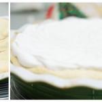 Tarta se bagă la cuptor şi după vreo 25 minute se toarnă deasupra compoziţia de bezea.