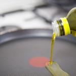 Adăugăm puţin ulei de măsline