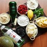 Ingrediente: făină de grâu, făină de migdale, unt, fructe, sirop de soc, rom şi altele.