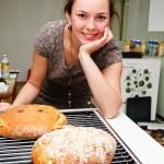 Lavinia şi pâine cea bună şi frumoasă.