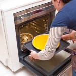 Se bagă la cuptor la 175 grade pentru 50 minute.