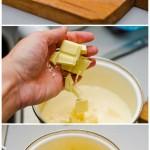 Ciocolata se rupe/ taie în bucăţi şi se pune în smântâna fierbinte. Se amestecă uşor cu un tel până se topeşte.