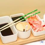 Sosurile, ghimbirul murat şi wasabi-ul pentru sushi.
