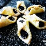 Cornuleţe cu magiun de prune- Angela Lăpădat, Delicious Flavours